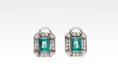 Art Déco emeralds and diamonds earring, circa 1930-1945.