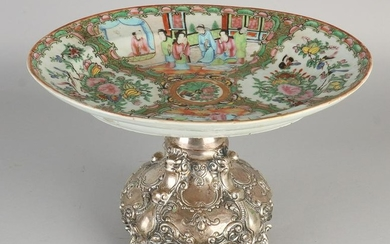 Cantonese dish placed on heavy silver base, 800/000