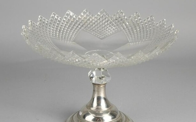 Crystal tazza on silver base, 833/000. Round crystal