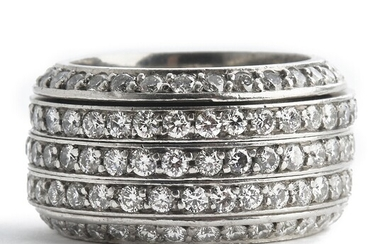 David Bell: A diamond ring set with numerous brilliant-cut diamonds weighing a total of app. 5.50 ct., mounted in platinum. G-H/VVS-VS. App. size 57–60.