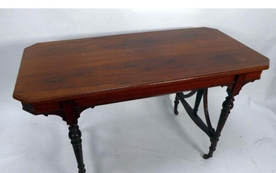 EARLY NINETEENTH CENTURY ROSEWOOD CENTRE TABLE, the canted o...