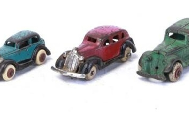 FIVE CAST IRON TOY CARS INCLUDING HUBLEY