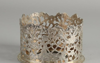 Silver bottle tray, 833/000, with a raised edge