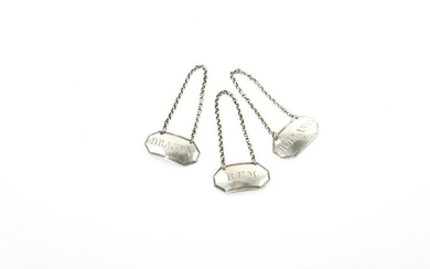 THREE GEORGE III ENGLISH SILVER BOTTLE TAGS, 18g