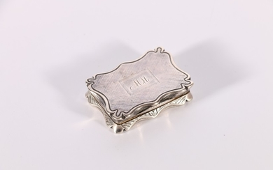 Victorian silver vinaigrette with shaped edge and monogramme...