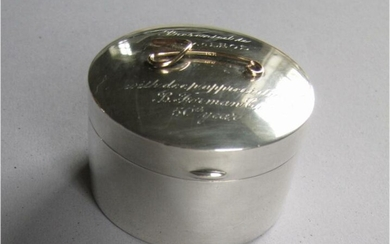 Vintage Tiffany & co. 14K gold and sterling silver small round box engraved FR3SH