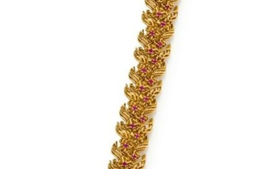 YELLOW GOLD AND RUBY BRACELET