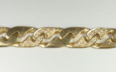 Yellow gold bracelet (750 thousandths), some links paved with small diamonds Gross weight 45.9 grs.