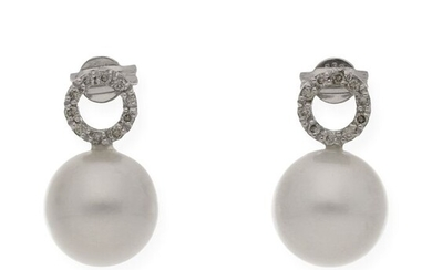 18 kt. Saltwater pearls, South sea pearl, White gold, 10.20 mm - Earrings - 0.30 ct Diamond