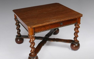 19TH CENTURY ENGLISH TABLE WITH TWISTED LEGS