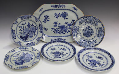 A Chinese blue and white export porcelain meat dish, Qianlong period, painted with flower sprays, le