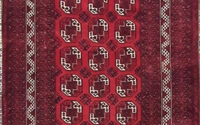 A HAND KNOTTED PURE WOOL PERSIAN QUNDUZI