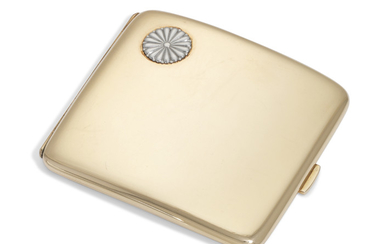 A JAPANESE GOLD CIGARETTE CASE, MARK OF THE MIYAMOTO COMPANY, FIRST HALF OF THE 20TH CENTURY