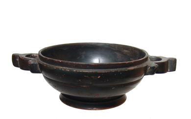 An Attic black glazed lekanis