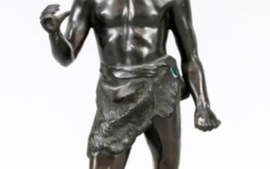 Anonymous sculptor around 1900, standing figure of an African with foil, fighter dressed only with a fur apron on terrain plinth over marble plinth, unsigned, the foil loose, with solder traces on the hands, 31.5 cm