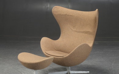Arne Jacobsen. 'The Egg' chair with footstool, produced by Fritz Hansen, designed in 1958-1959 (2)