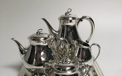 Henry G. Reed & Charles E. Barton - Reed & Barton Silvermiths - Coffee and tea service (5) - Contemporary - Silverplate