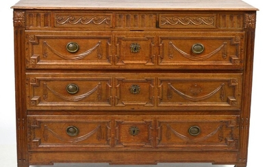 Louis XVI style carved oak chest of drawers opening by two drawers in a belt above three large drawers. Mosan work. Period: 18th century. Dim.:+/-134x102,6x60cm.