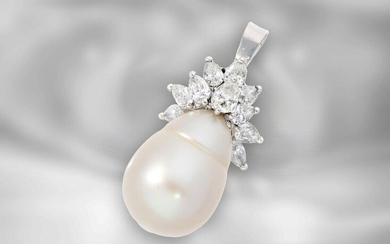 Pendant: Goldsmith pendant with large South Sea baroque pearl and drop-cut diamonds, approx. 1.2ct