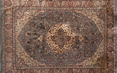 Persian wool rug in rich colours with decoration of vegetable motifs on turquoise field. Size: 220x155 cm. Exit: 300uros. (49.916 Ptas.)