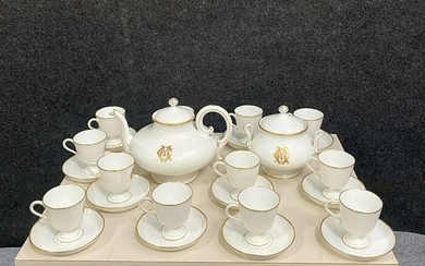 Porcelaine de Paris: gold and white coffee service - Porcelain