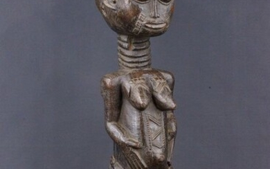 Queen Statue - Wood - Baoulé - Ivory Coast