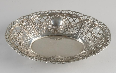 Silver dish, 835/000, oval sawn model decorated with