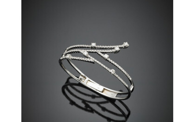 White gold diamond bangle in all ct. 2.50 circa, g...