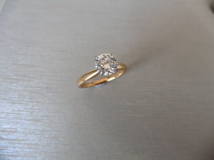 1.01ct diamond solitaire ring with a brilliant cut...