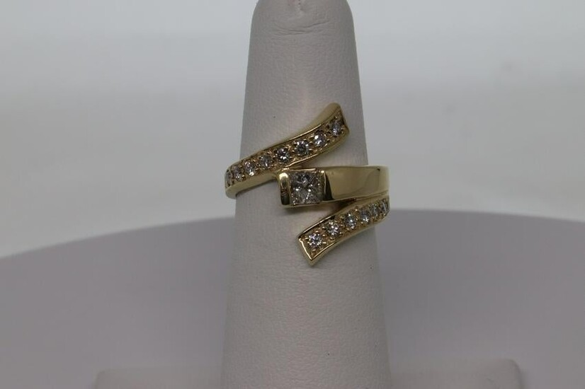 14Kt Ladies Diamond Ring