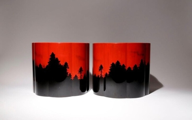 A PAIR OF JAPANESE WOOD AND LACQUER BRAZIERS, HIBACHI TAISHO...