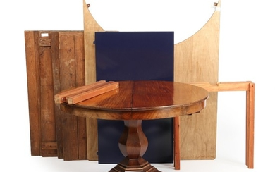 A late Empire mahogany extension dining table. Denmark or North Germany, ca. 1840. Six old and new extra leaves included. H. 79 cm. L. 120/490. D. 120 cm.