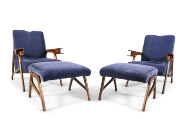 A pair of oak Augusto...