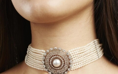 AN ANTIQUE PEARL AND DIAMOND COLLAR