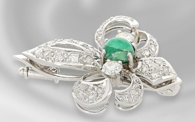 Brooch/pin: white gold, very decorative emerald/diamond goldsmith brooch,...