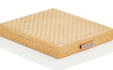 DIAMOND POWDER COMPACT, BOUCHERON