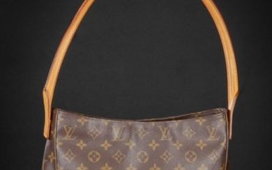 Louis Vuitton. Skuldertaske. Model Looping. Monogram canvas.