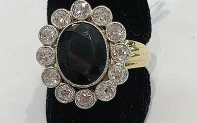 Pompadour ring in white and yellow gold, set...