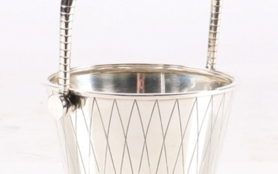 Sigvard Bernadotte for Georg Jensen. Art deco ice bucket in sterling silver