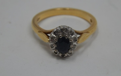 18ct Yellow Gold Sapphire & Diamond Cluster Ring: Size L: We...