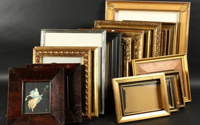A Collection of Seventeen Smaller Frames. (17).