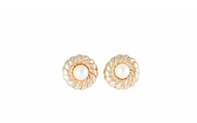 A PAIR OF CULTURED PEARL EARRINGS, the central pearls to 9ct...