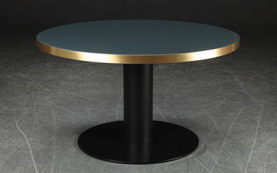 Gubi. Circular table model 2.0 Dining Table