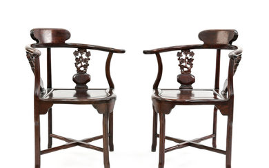 PAIR OF 20TH C. CHINESE ROSEWOOD CORNER CHAIRS