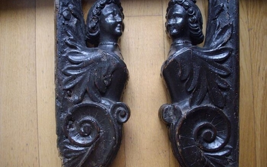 Sculpture, Pair of caryatids representing female figures (2) - Wood - Mid 17th century