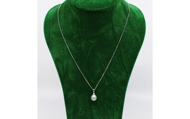 Single Pearl Pendant on 14ct White Gold Chain
