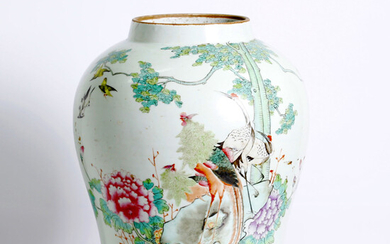 a beautiful, antique, Chinese porcelain . Qing dyn.