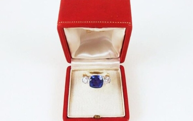 18K Lady's Tanzanite & Diamond Ring