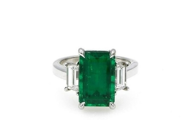18K White Gold 4.56ct Colombian Emerald 3 Stone Ring