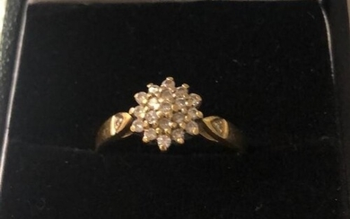 18ct yellow gold diamond cluster (approx 0.20ct), weight 3.5...